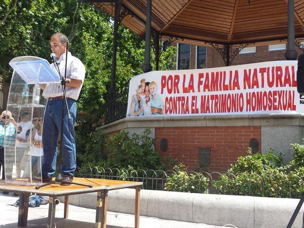 Resultado de imagen de Discurso de Jesús Muñoz en el acto de defensa de la Familia Tradicional y contra el matrimonio homosexual